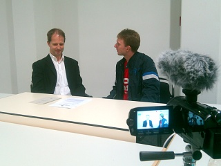 http://su2.info/d/ffii/20100612_linuxtag/2010-06-12_17.12.54_interview_e.jpg